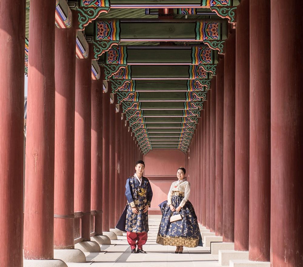 Cặp đôi mặc Hanbok